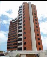 Apartamento En Venta En Parroquia Caraballeda, La Llanada, Venezuela, VE RAH: 16-11289