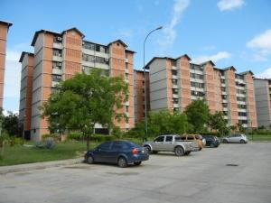 Apartamento En Venta En Guarenas, Nueva Casarapa, Venezuela, VE RAH: 16-11293
