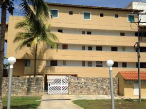 Apartamento En Venta En Boca De Aroa, Boca De Aroa, Venezuela, VE RAH: 16-11299