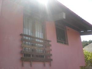 Casa En Venta En Caracas, Colinas De Las Acacias, Venezuela, VE RAH: 16-11406