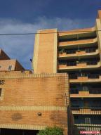 Apartamento En Venta En Tucacas, Tucacas, Venezuela, VE RAH: 16-11388