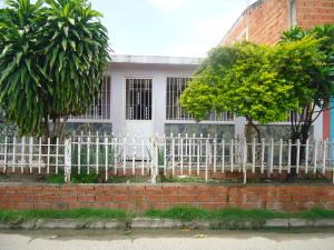 Casa En Venta En Municipio Carlos Arvelo, Guigue, Venezuela, VE RAH: 16-11331