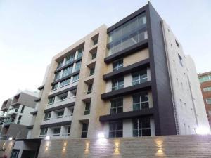 Apartamento En Venta En Caracas, Los Naranjos De Las Mercedes, Venezuela, VE RAH: 16-11370