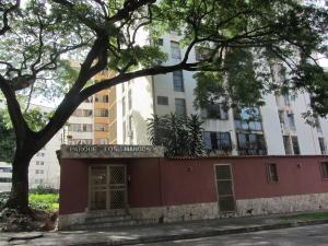 Apartamento En Venta En Valencia, Sabana Larga, Venezuela, VE RAH: 16-11390
