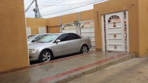 Apartamento En Venta En Maracaibo, Las Delicias, Venezuela, VE RAH: 16-11425