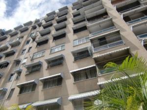 Apartamento En Venta En Caracas, Bello Campo, Venezuela, VE RAH: 16-11431