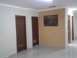Oficina En Alquiler En Maracaibo, Pueblo Nuevo, Venezuela, VE RAH: 16-11437