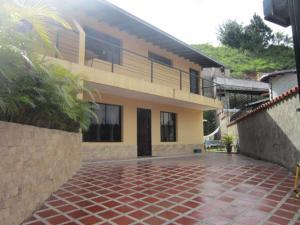 Casa En Venta En Caracas, Los Robles, Venezuela, VE RAH: 16-11452