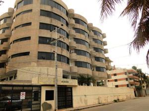 Apartamento En Venta En Chichiriviche, Playa Norte, Venezuela, VE RAH: 16-11463