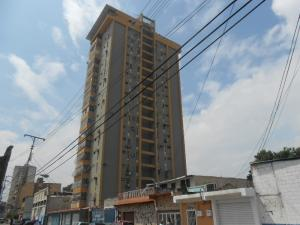 Apartamento En Venta En Maracay, Zona Centro, Venezuela, VE RAH: 16-11464