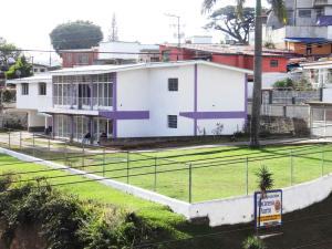 Casa En Venta En Los Teques, La Macarena Norte, Venezuela, VE RAH: 16-11479