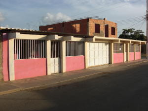 Casa En Venta En Coro, Centro, Venezuela, VE RAH: 16-11490
