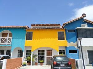 Townhouse En Venta En Municipio San Diego, Caracaras, Venezuela, VE RAH: 16-11515