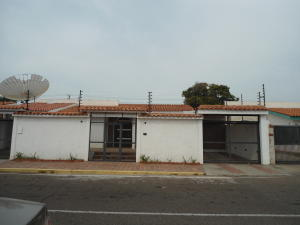 Casa En Venta En Maracaibo, Rosal Sur, Venezuela, VE RAH: 16-6779