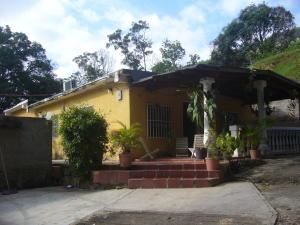 Casa En Venta En Maracay, El Castaño, Venezuela, VE RAH: 16-11524