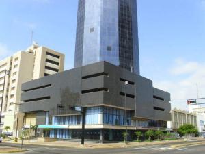 Local Comercial En Alquiler En Maracaibo, 5 De Julio, Venezuela, VE RAH: 16-9860