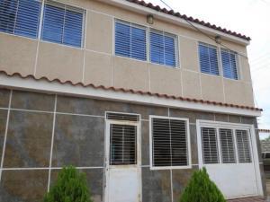 Casa En Venta En Municipio San Francisco, Los Samanes, Venezuela, VE RAH: 16-11549