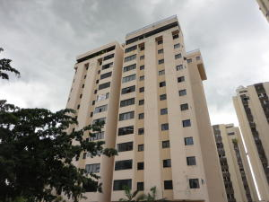 Apartamento En Venta En Valencia, Valles De Camoruco, Venezuela, VE RAH: 16-11552