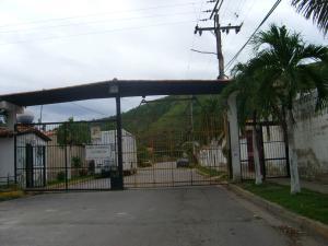 Casa En Venta En Turmero, Parque Residencial La Floresta, Venezuela, VE RAH: 16-11582