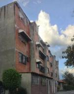 Apartamento En Venta En Guarenas, Guarenas, Venezuela, VE RAH: 16-11742