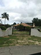 Casa En Venta En Valencia, Safari Country Club, Venezuela, VE RAH: 16-11591