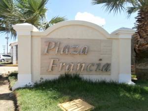 Apartamento En Venta En Coro, Plaza Francia, Venezuela, VE RAH: 16-11599