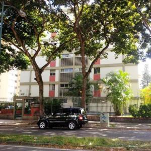Apartamento En Venta En Caracas, La Trinidad, Venezuela, VE RAH: 16-11603