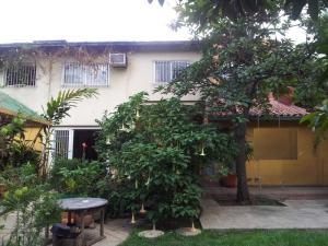 Casa En Venta En Caracas, La Castellana, Venezuela, VE RAH: 16-11540