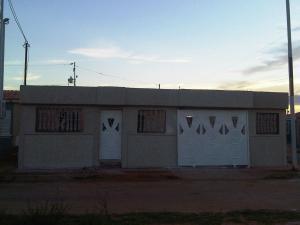 Casa En Venta En Municipio San Francisco, Los Samanes, Venezuela, VE RAH: 16-11635