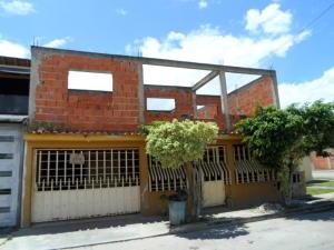 Casa En Venta En Guacara, La Floresta, Venezuela, VE RAH: 16-11634