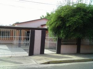 Casa En Venta En La Cañada, Via Principal, Venezuela, VE RAH: 16-11670