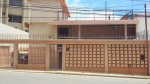 Casa En Venta En Maracaibo, El Milagro, Venezuela, VE RAH: 16-11721