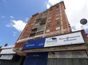 Apartamento En Venta En Caracas, Parroquia La Vega, Venezuela, VE RAH: 16-11789