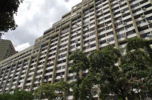 Apartamento En Venta En Parroquia Caraballeda, Los Corales, Venezuela, VE RAH: 16-11774