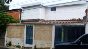 Casa En Venta En Maracay, La Cooperativa, Venezuela, VE RAH: 16-11795