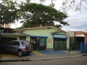 Casa En Venta En Maracay, Zona Centro, Venezuela, VE RAH: 16-11824
