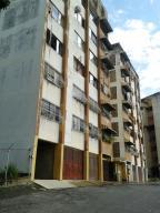 Apartamento En Venta En Charallave, Centro De Charallave, Venezuela, VE RAH: 16-11832