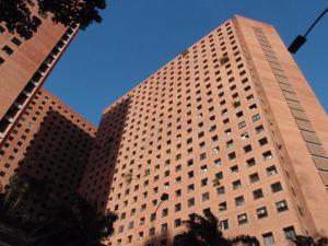 Apartamento En Venta En Caracas, Sabana Grande, Venezuela, VE RAH: 16-11849