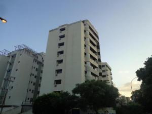 Apartamento En Venta En Valencia, Sabana Larga, Venezuela, VE RAH: 16-11900