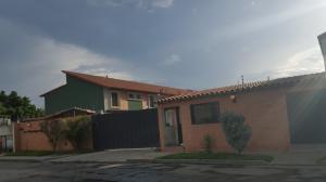 Townhouse En Venta En Municipio San Diego, Sabana Del Medio, Venezuela, VE RAH: 16-11903