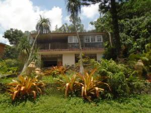 Casa En Venta En Municipio Naguanagua, La Entrada, Venezuela, VE RAH: 16-14099