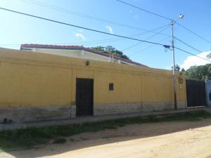 Casa En Venta En Cabudare, Parroquia Agua Viva, Venezuela, VE RAH: 16-11950