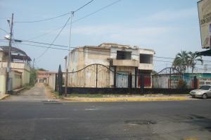 Casa En Venta En Ciudad Ojeda, Avenida Vargas, Venezuela, VE RAH: 15-13327
