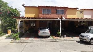 Townhouse En Venta En Guatire, Villa Avila, Venezuela, VE RAH: 16-12950