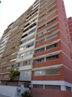 Apartamento En Venta En Caracas, Campo Alegre, Venezuela, VE RAH: 16-12559