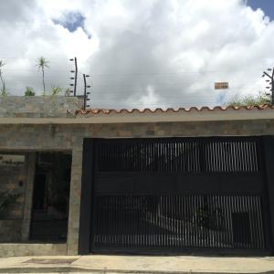 Casa En Venta En Caracas, El Cafetal, Venezuela, VE RAH: 16-12154
