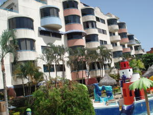 Apartamento En Venta En Higuerote, Agua Sal, Venezuela, VE RAH: 16-12060