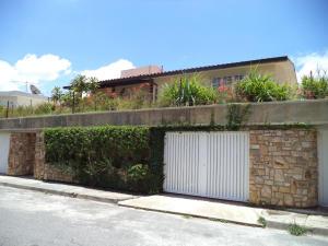 Casa En Venta En Caracas, El Marques, Venezuela, VE RAH: 16-12068