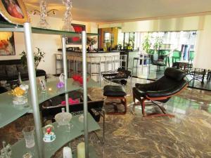Apartamento En Venta En Caracas - La Florida Código FLEX: 16-12076 No.1