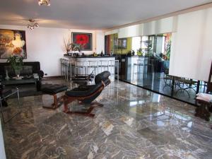 Apartamento En Venta En Caracas - La Florida Código FLEX: 16-12076 No.3